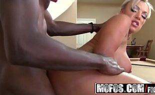 Porno carioca negro em foda com loira