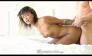 Sexo brasil comendo a negra ninfeta com prazer